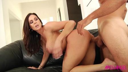 Having sex mature women young girls