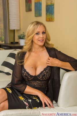 American milf Julia Ann in a chic dress